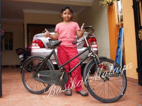 Bestlah basikal kecik nie...Ayu tak sabar nak join berkayuhlah