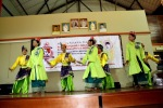 Persembahan Kebudayaan dari penari-penari kebudayaan Quayside