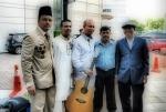 Penulis sempat bergambar bersama komposer terkenal Abang Manan Ngah